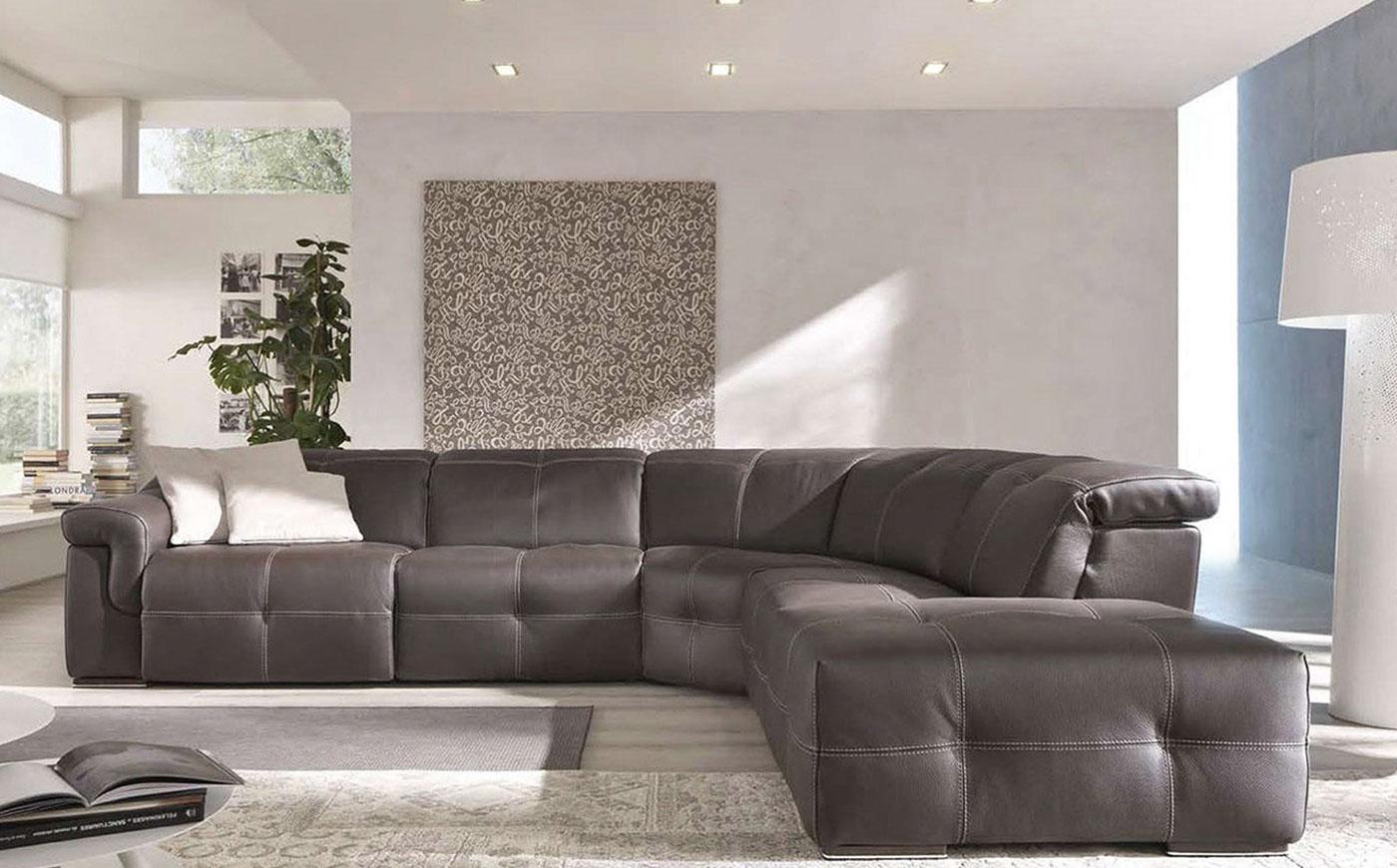 I divani in pelle come arredare il living dil mobili for Arredare il living